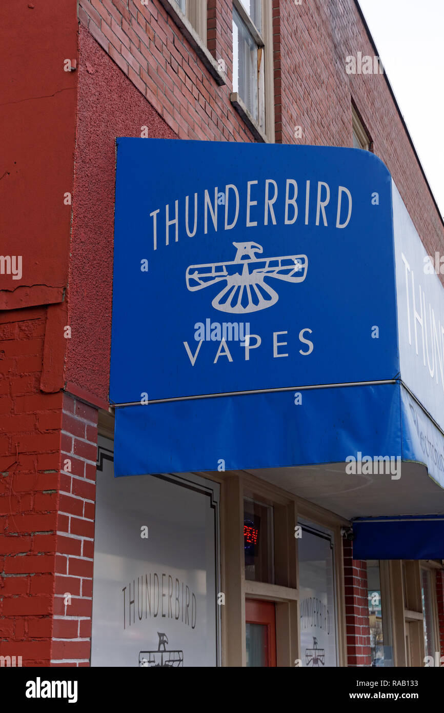 Thunderbird Vapes electronic cigarette store in Vancouver, BC, Canada - Stock Image