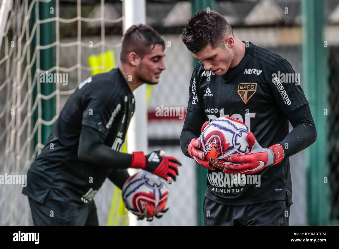68a17319f SP - Sao Paulo - 03/01/2019 - Training of Sao Paulo - Jean (e) and Tiago  Volpi during training of Sao Paulo at CT Barra Funda. Photo: Marcello  Zambrana / ...