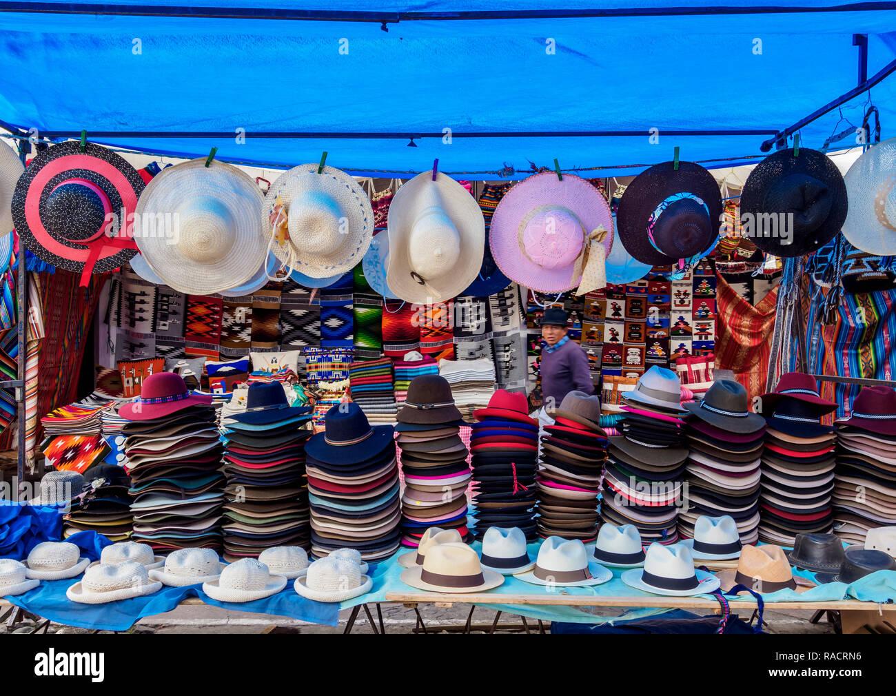 Saturday Handicraft Market, Plaza de los Ponchos, Otavalo, Imbabura Province, Ecuador, South America - Stock Image