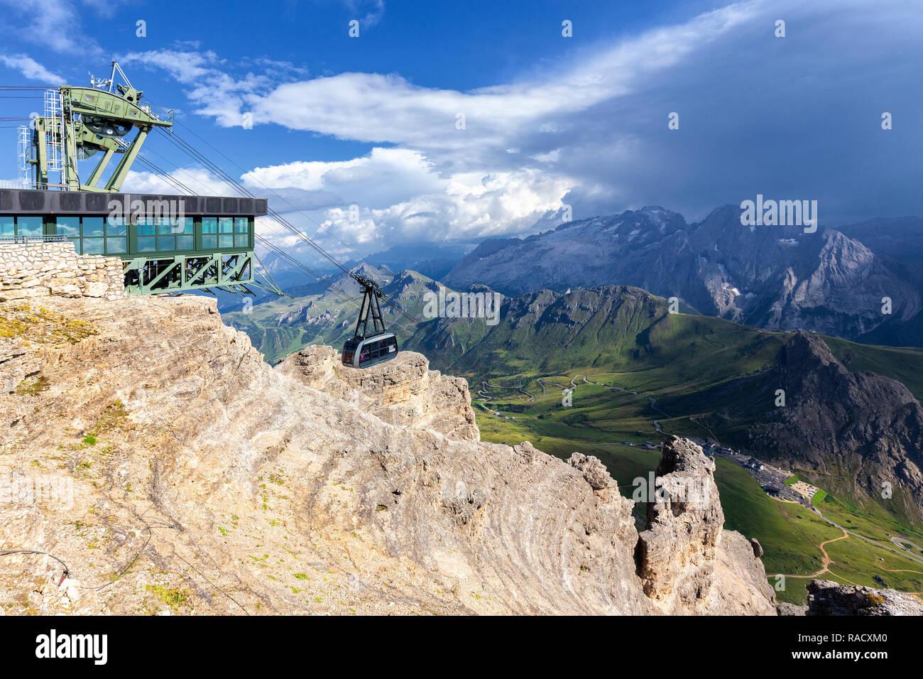 Pordoi cable car, Piz Pordoi, Pordoi Pass, Fassa Valley, Trentino, Dolomites, Italy, Europe - Stock Image