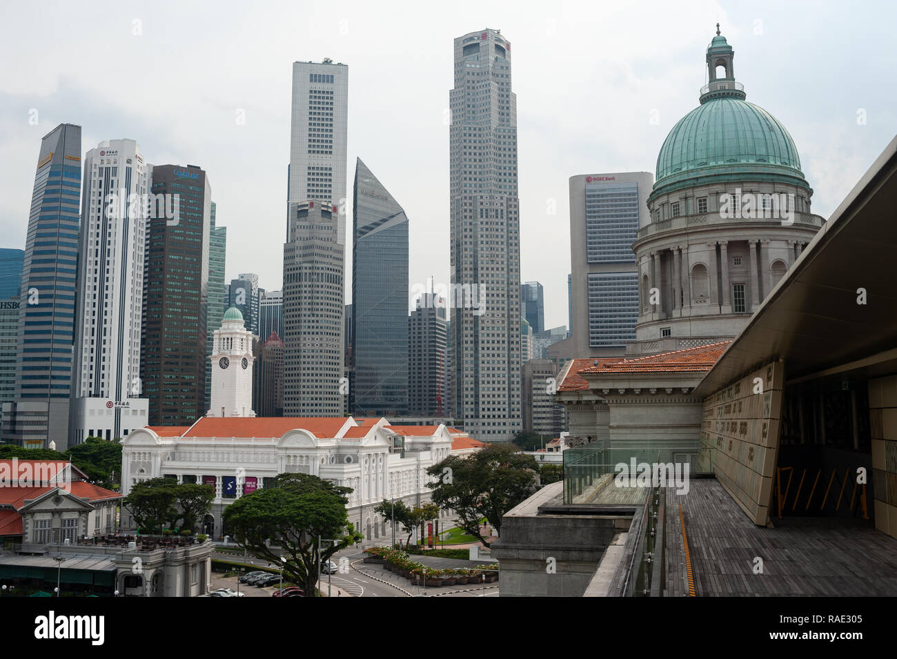 20.12.2018, Singapore, Republic of Singapore, Asia - View from the rooftop terrace at the National Gallery Singapore of the city skyline. Stock Photo