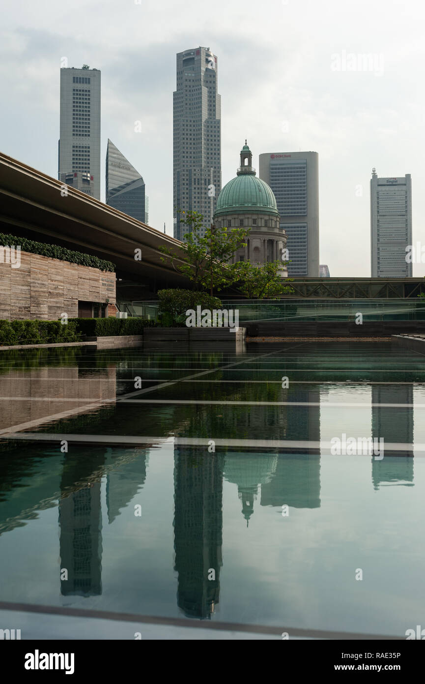 20.12.2018, Singapore, Republic of Singapore, Asia - View from the rooftop terrace at the National Gallery Singapore of the city skyline, Stock Photo