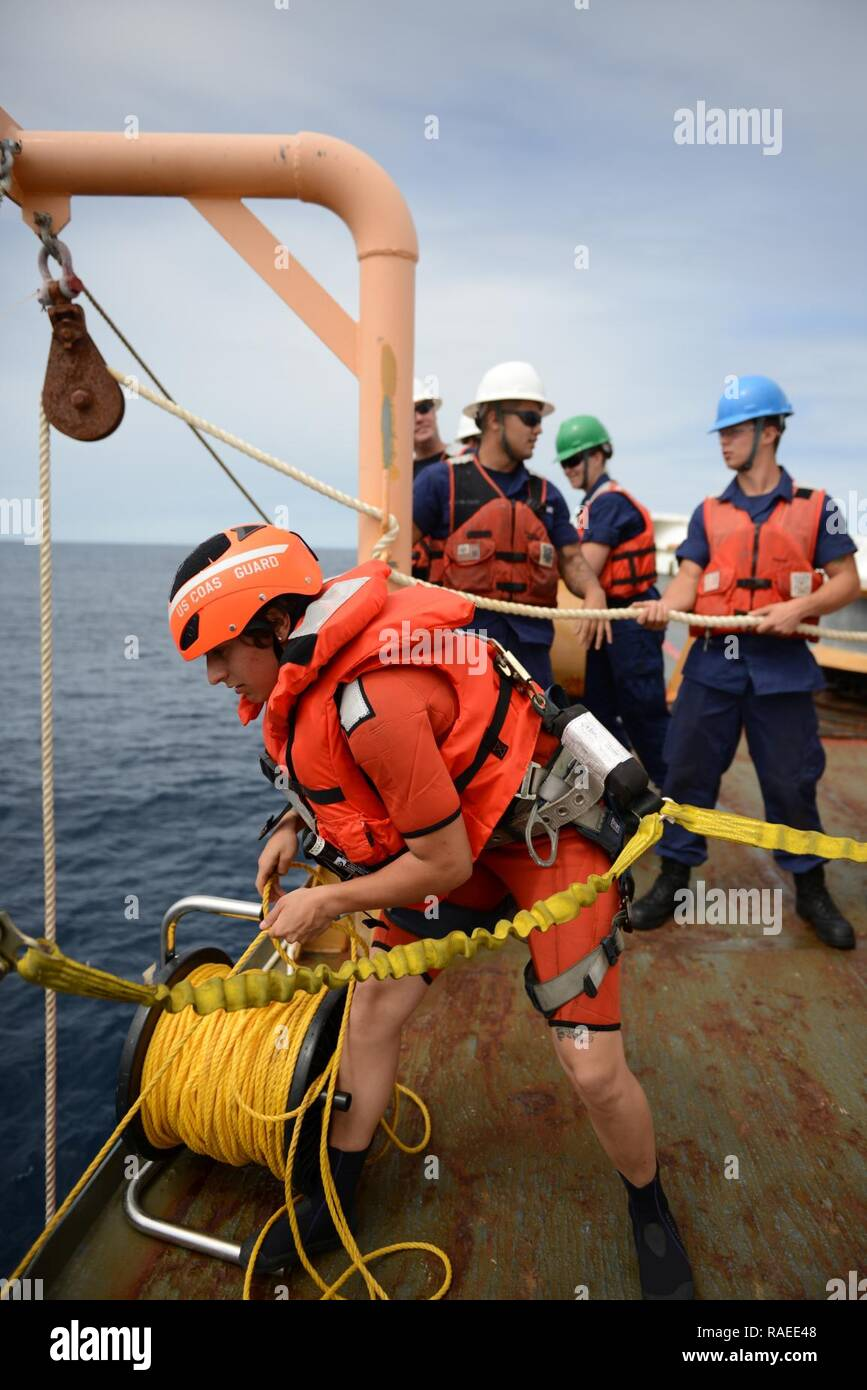Buddy Tow Stock Photos Images Alamy Boat Rope Harness Eastern Pacific Ocean Seaman Kristine Kearny A Crewmember Aboard The Coast Guard Cutter Sherman