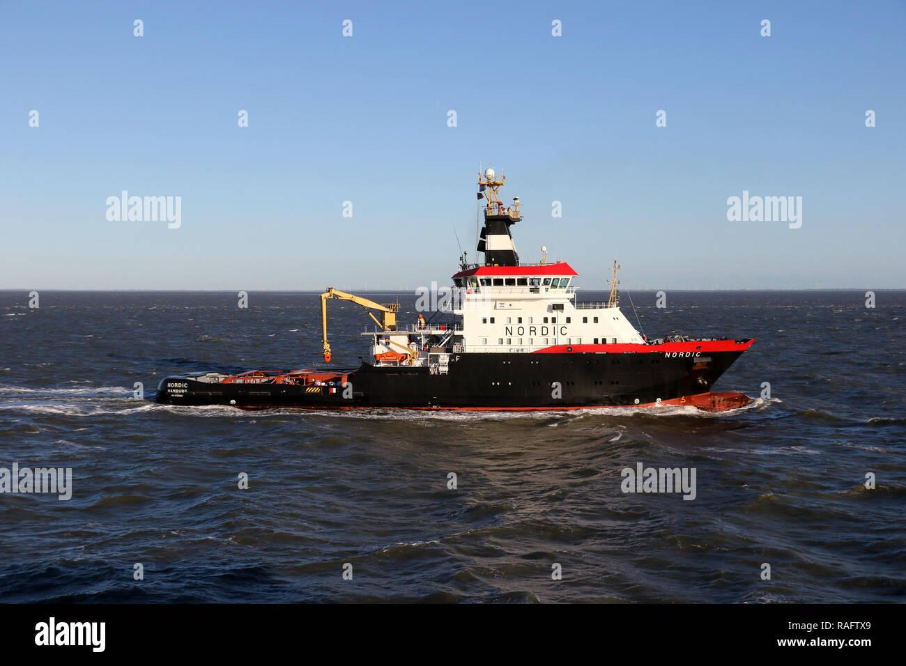 Emergency Tow Vessel Stock Photos & Emergency Tow Vessel