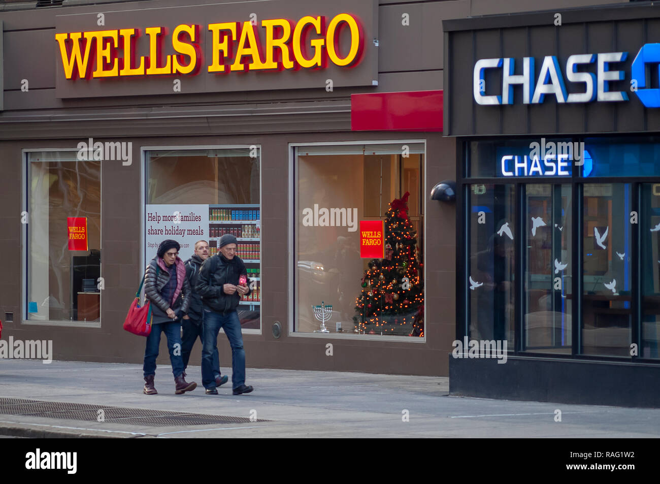 A Wells Fargo bank branch next to a branch of JP Morgan Chase in Greenwich Village in New York on Tuesday, January 1, 2019. (© Richard B. Levine) - Stock Image