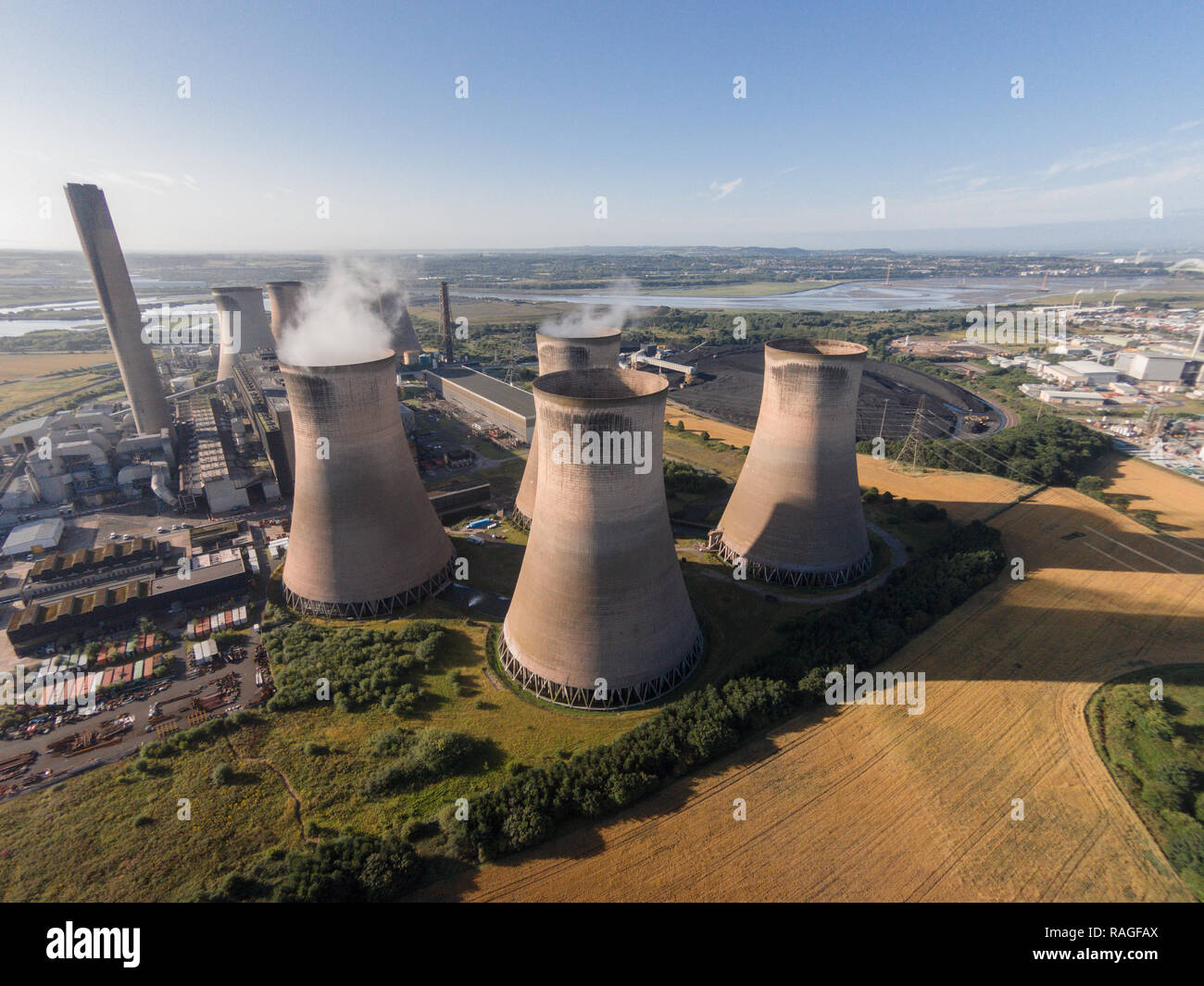 Aerial photographs of Fiddlers Ferry Power Station in Widnes / Sankey.  A Coal Power Station which famously lost a tower in 1984 due to high wind. - Stock Image