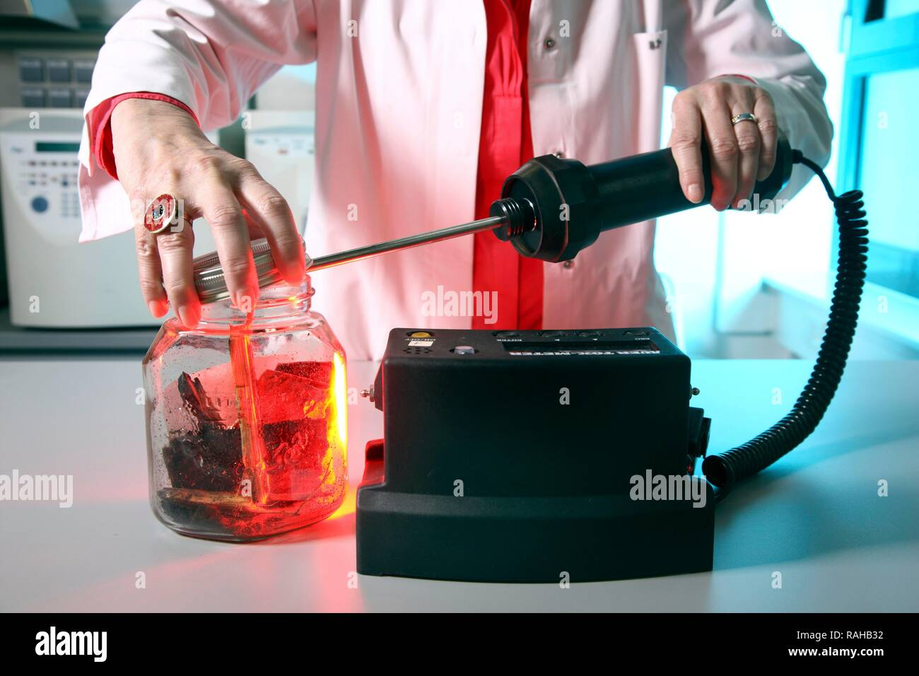 Forensic Science And Officer High Resolution Stock Photography And Images Alamy