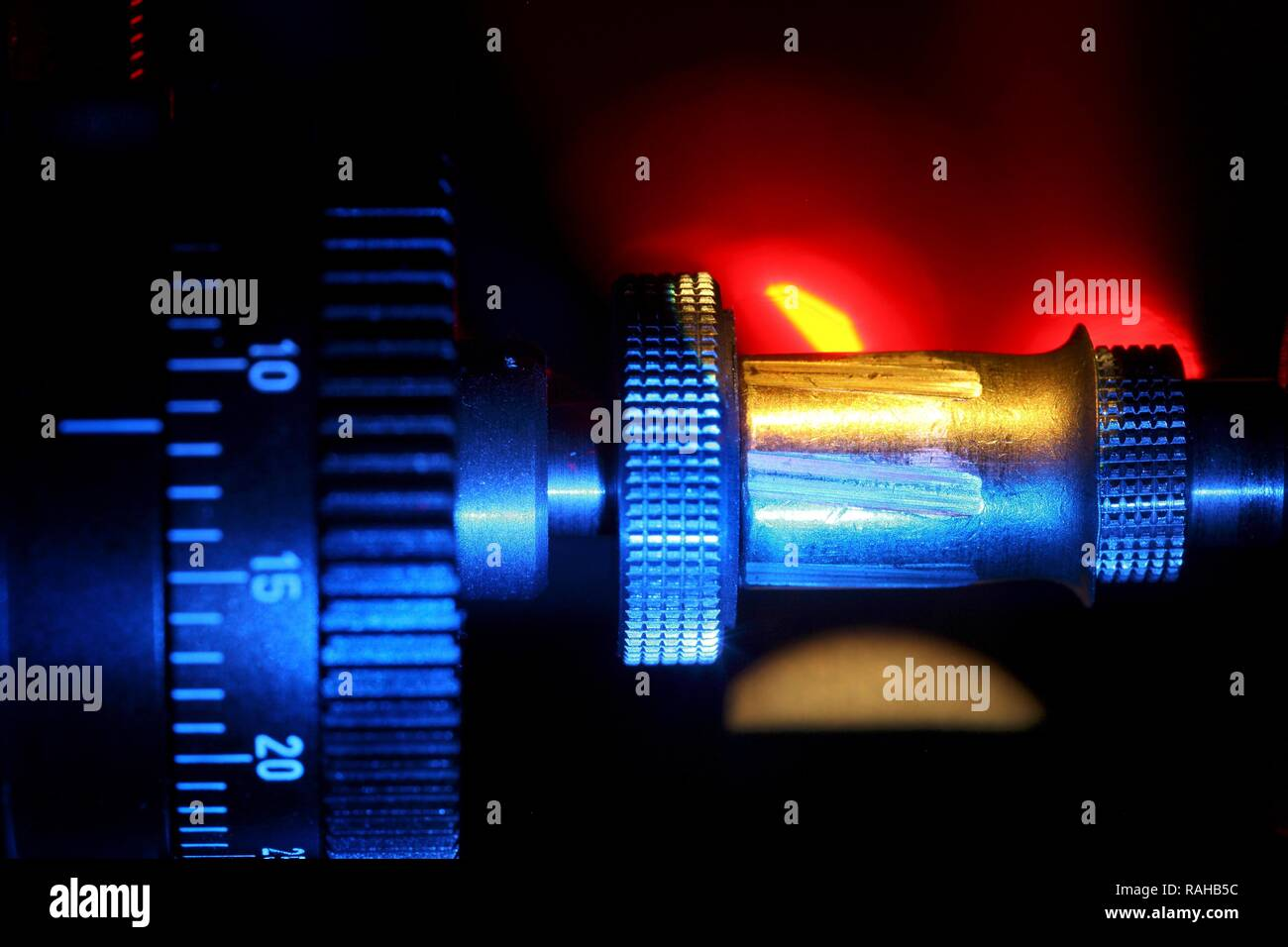 Kriminaltechnisches Institut, KTI, Forensic Science Institute, weapons department, stereo-microscopic study of projectiles - Stock Image