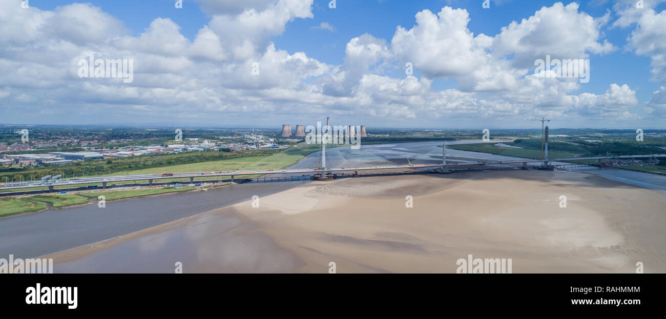 The Mersey Gateway Bridge construction, 2014-2017. Various stages of the construction of the bridge between Widnes & Runcorn (Halton) on River Mersey - Stock Image