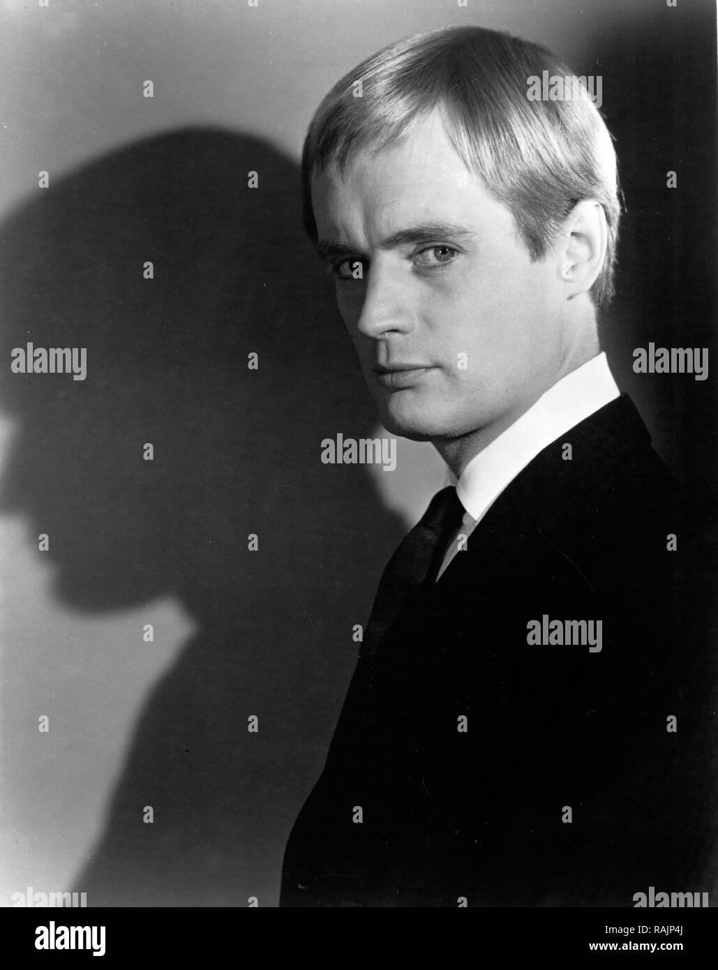 Robert Hardy (1925?017)