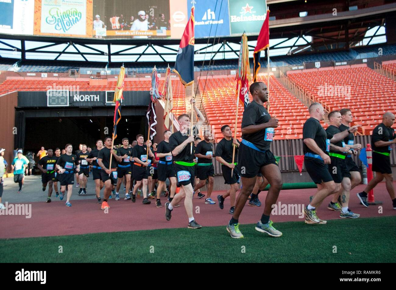 4df686c58 HONOLULU — U.S. Army Soldiers enter Aloha Stadium during the 33rd Annual Great  Aloha Run