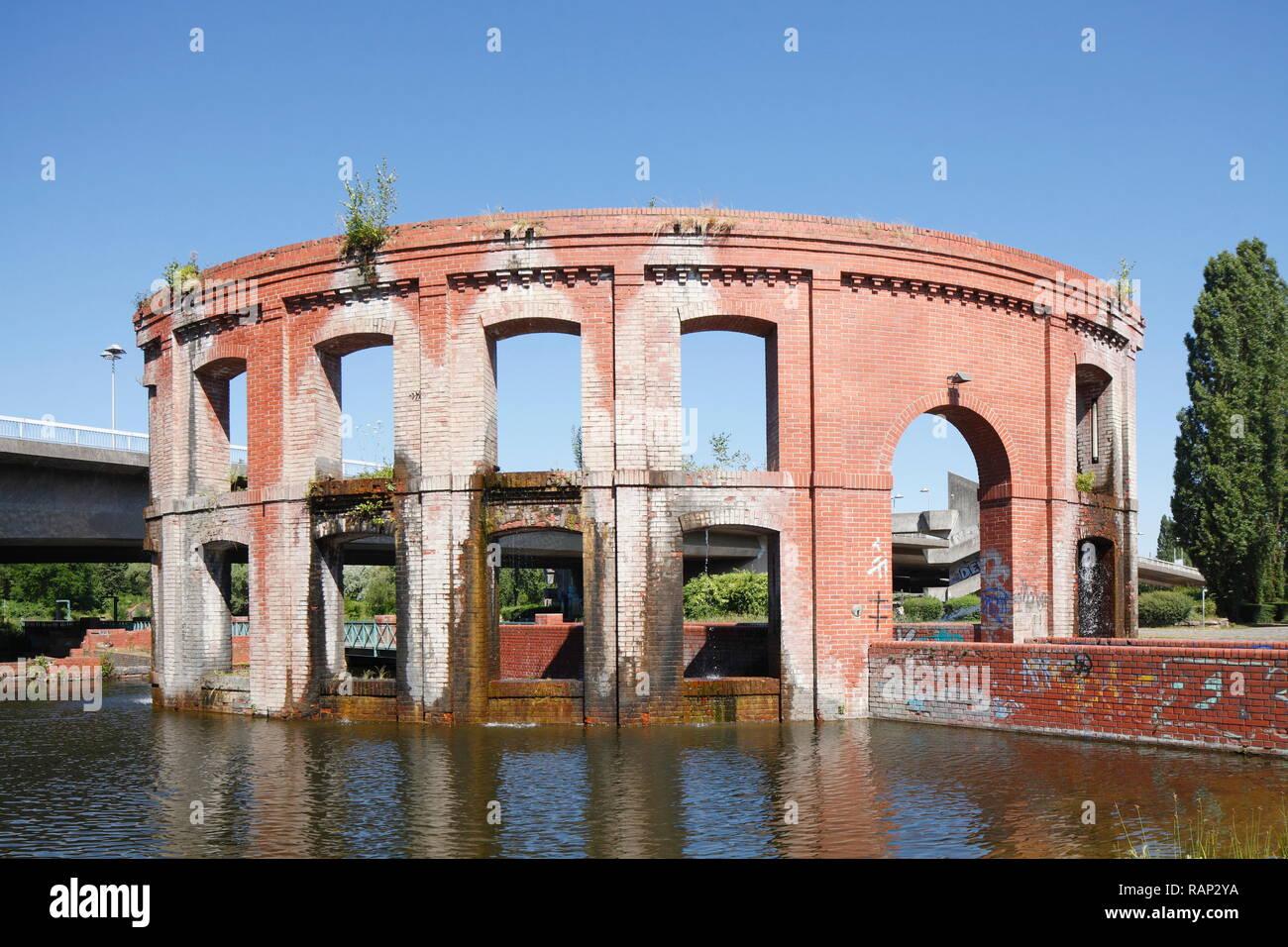Bürgerpark auf der Hafeninsel mit Wassertor, Saarbrücken, Saarland, Deutschland - Stock Image