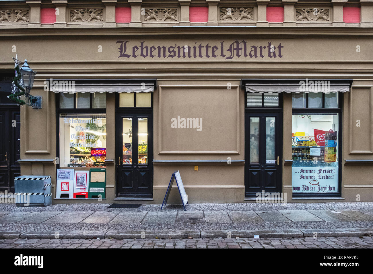 Alt-Köpenick,Berlin,Lebensmittel Markt grocery store in old building the the historic old town - Stock Image