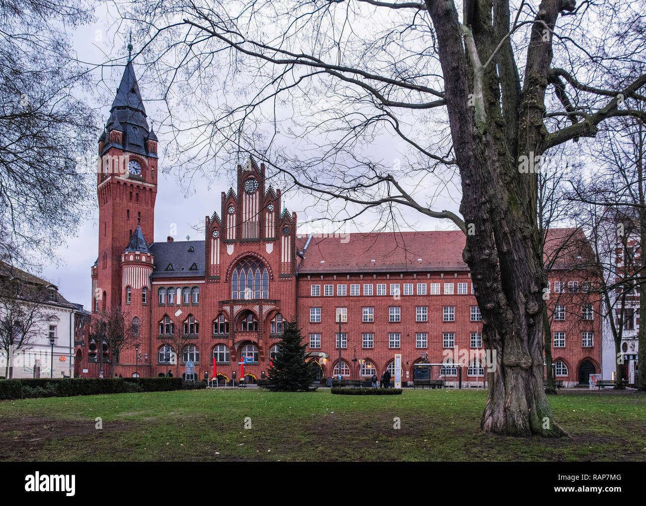 Berlin, Rathaus Köpenick. Red Brick Gothic-style town hall by Hugo Kinzer and Hans Schütte built 1901-5. Historic listed building - Stock Image