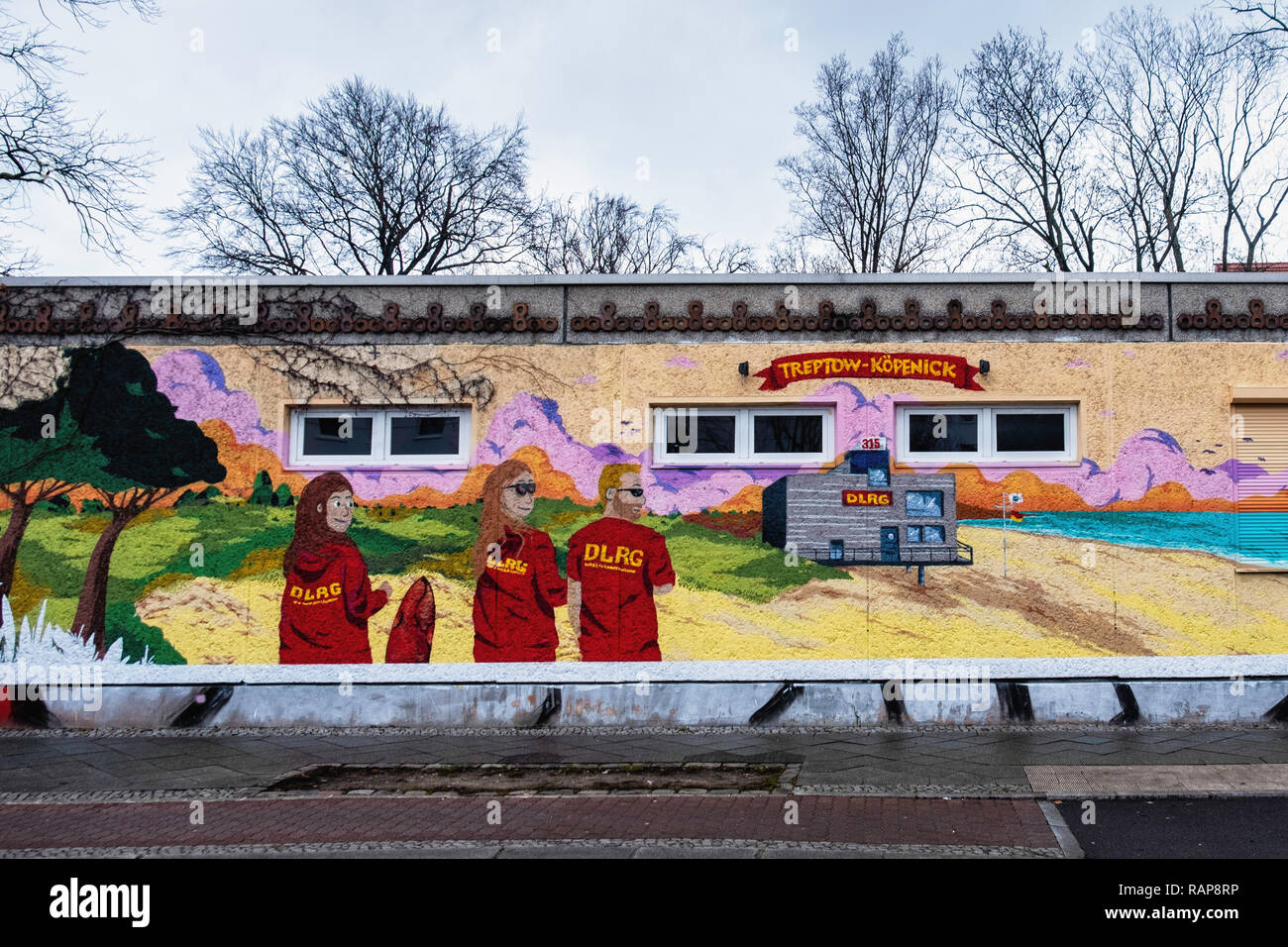 DLRG German Life Saving Society. Colourful building exterior in Oberspreestraße 181,Berlin-Köpenick - Stock Image