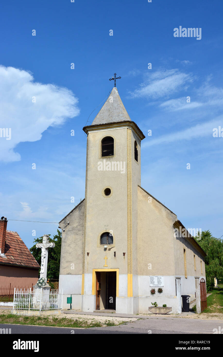St. Martin Roman Catholic Church, Bakonypölöske, Hungary, Europe, Bakonypölöske - Szent Márton római katolikus templom. - Stock Image