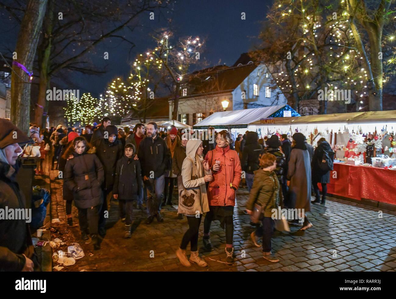 Deutschland Weihnachtsmarkt.Rixdorfer Christmas Fair Neukoelln Berlin Germany Rixdorfer