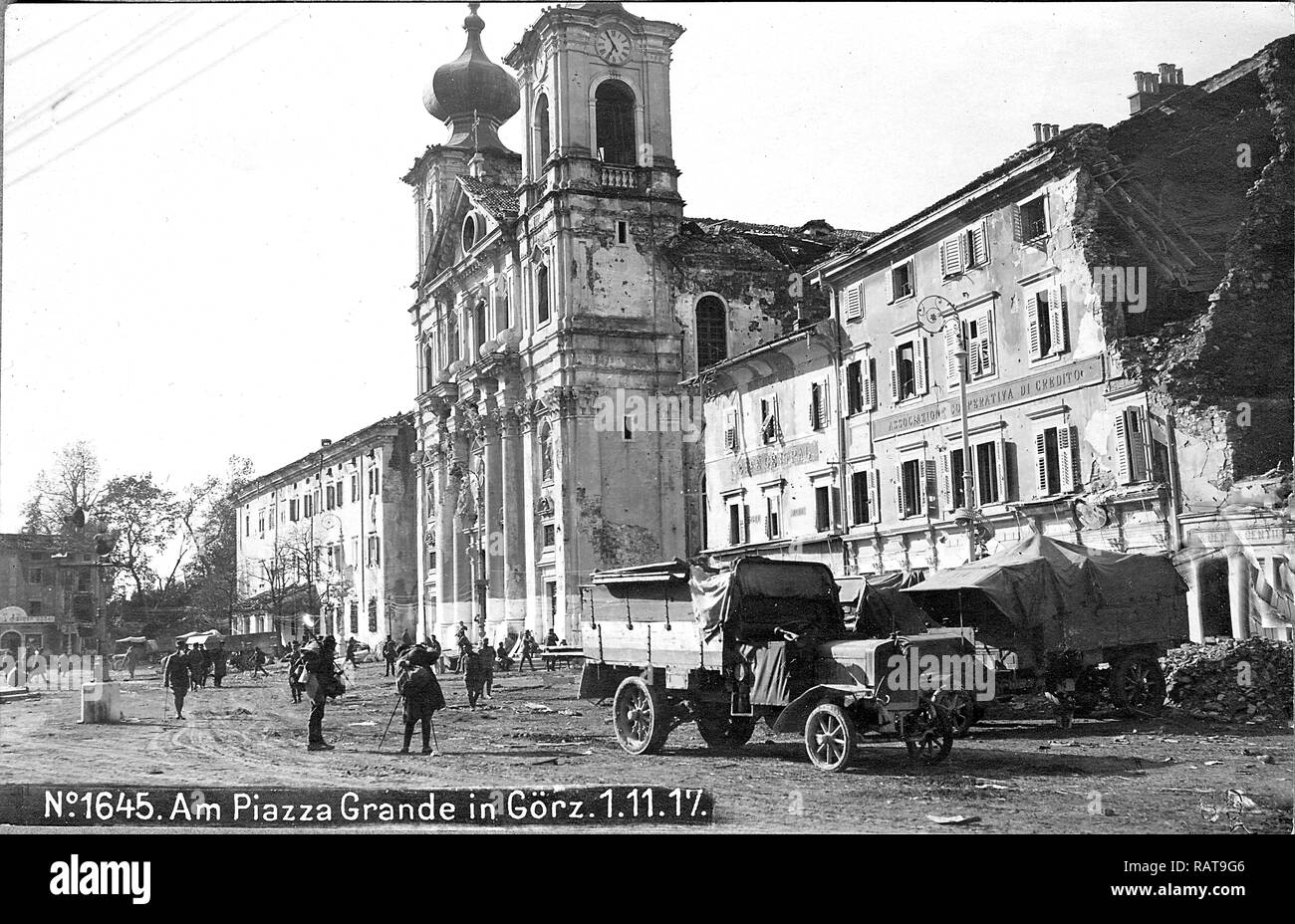Austro-hungarian soldiers on the main square in Gorizia - Italy, after the occupation in 1917 (1. 11. 1917) - Stock Image