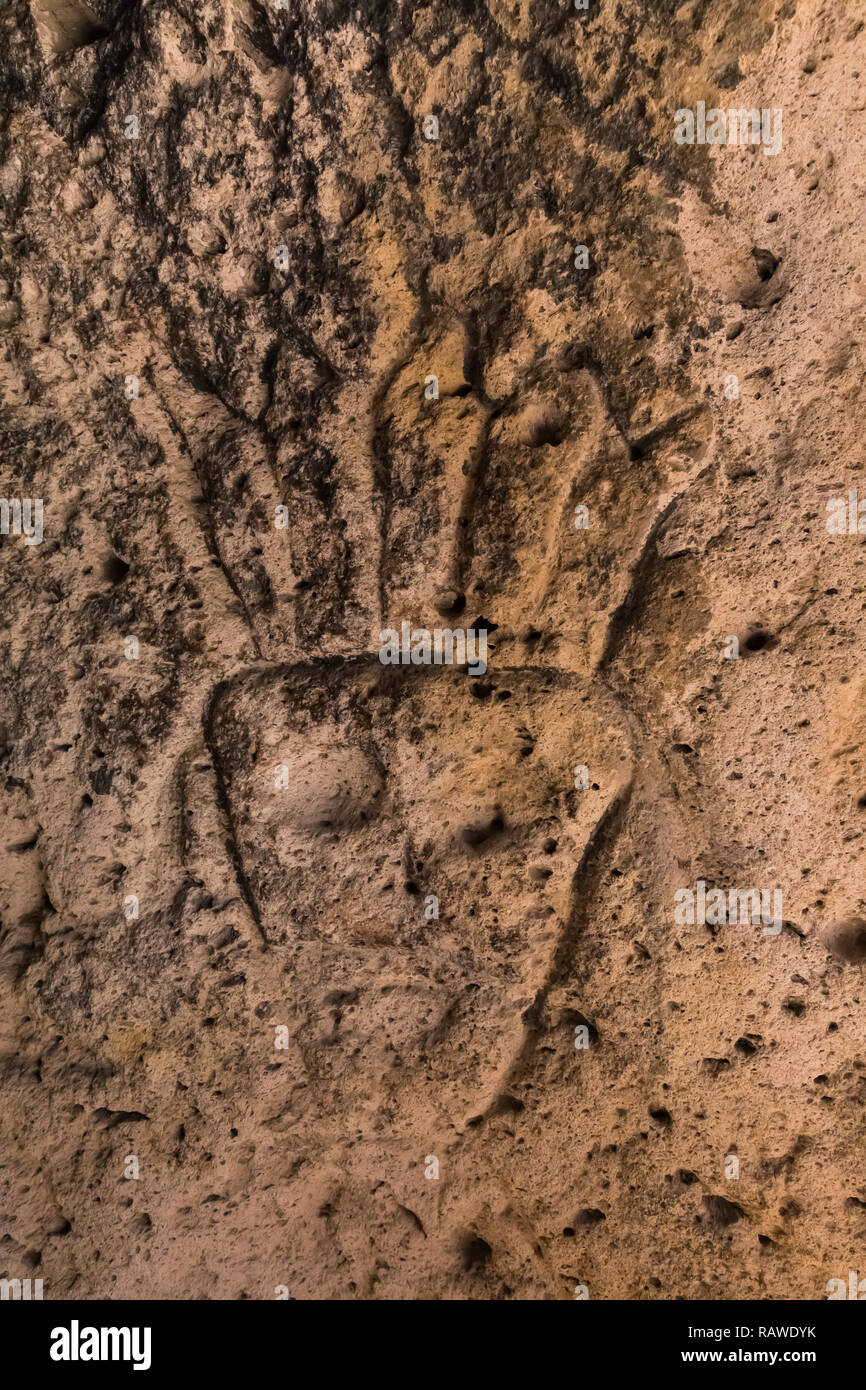 Petroglyph carved into stone by Ancestral Puebloan People at the Tsankawi Prehistoric Sites in Bandelier National Monument near Los Alamos, New Mexico Stock Photo