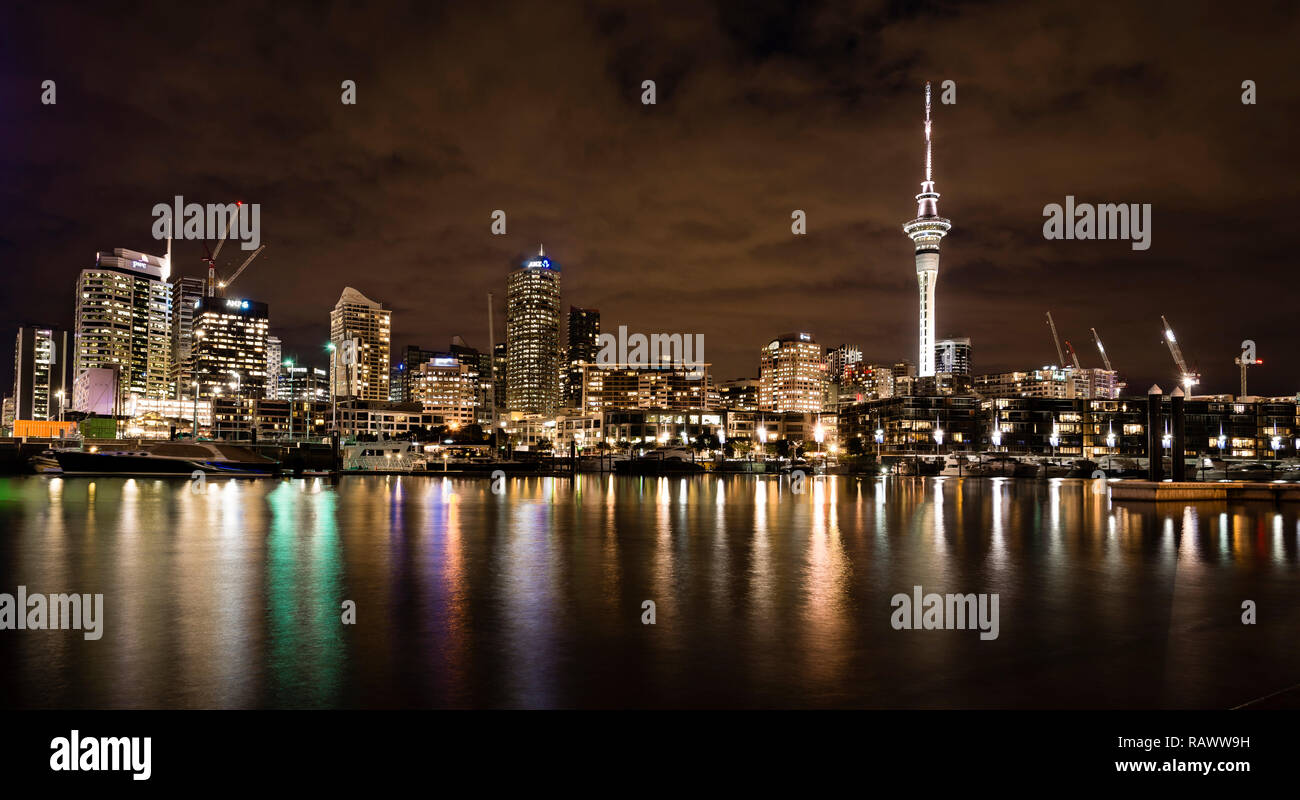 The skyline of Auckland city in New Zealand - Stock Image