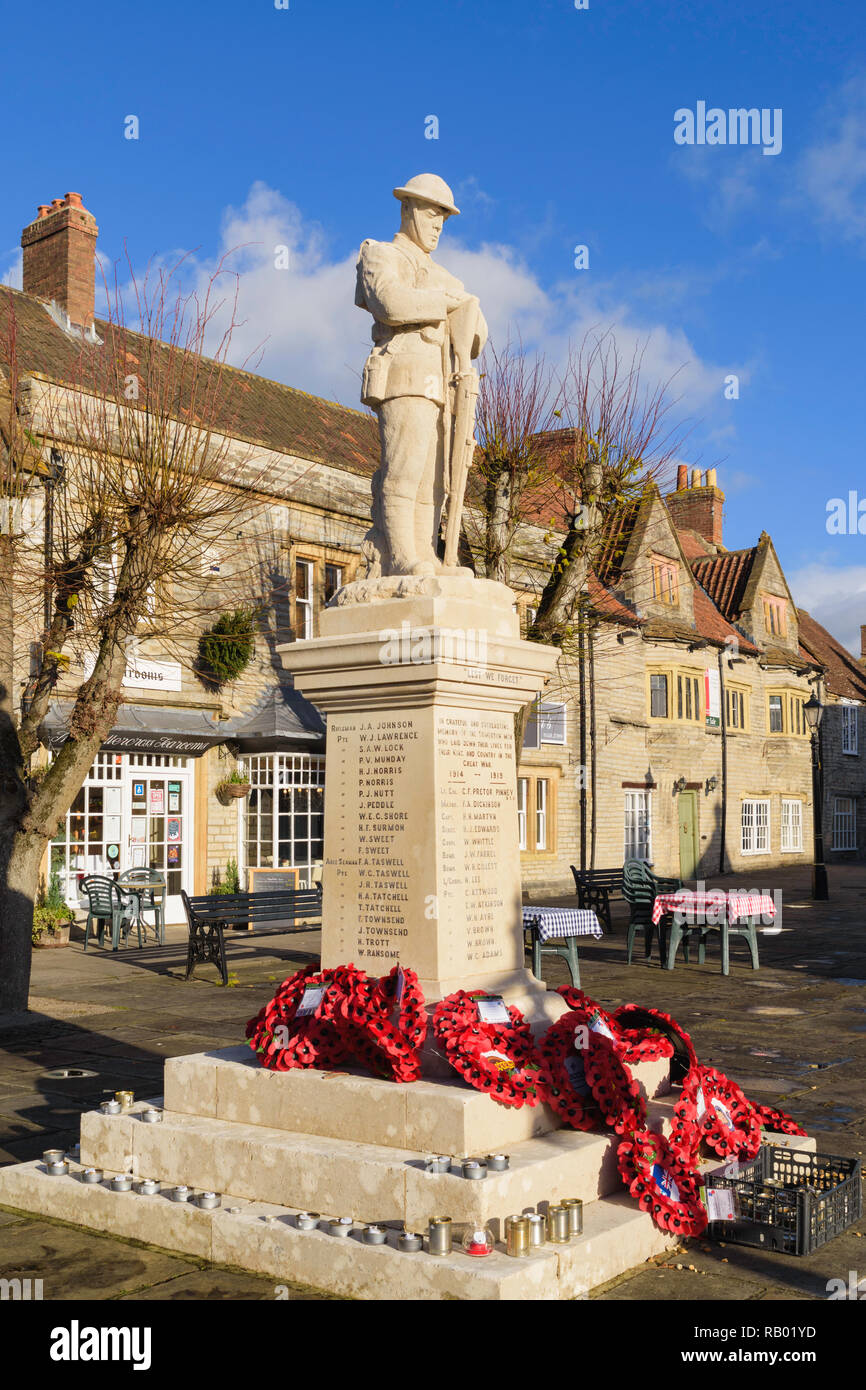 War memorial in the Market Square of  Somerton, Somerset, England,UK - Stock Image