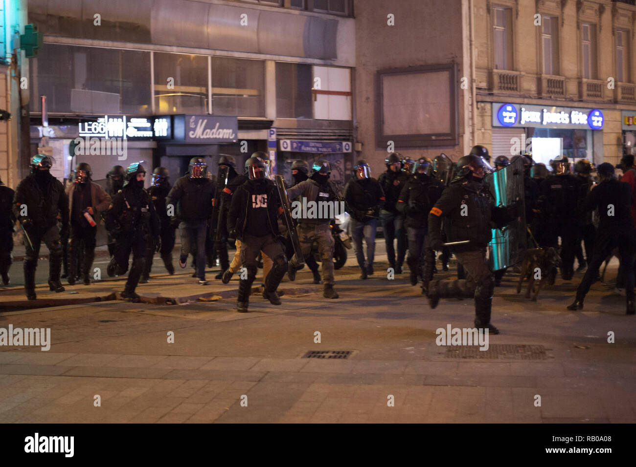 Paris, France. 5th Jan, 2019. Demonstration of Yellow Vests in Paris on January 5, 2019 Credit: Yann Bohac/ZUMA Wire/Alamy Live News - Stock Image
