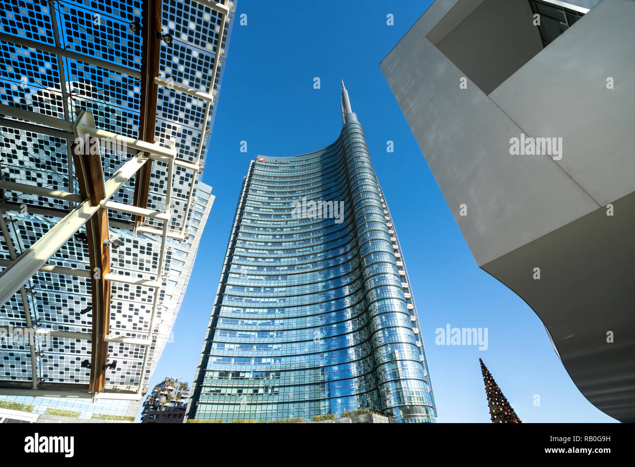 The Unicredit tower designed by architect Cesare Pelli in the Isola district in Milan, Italy Stock Photo