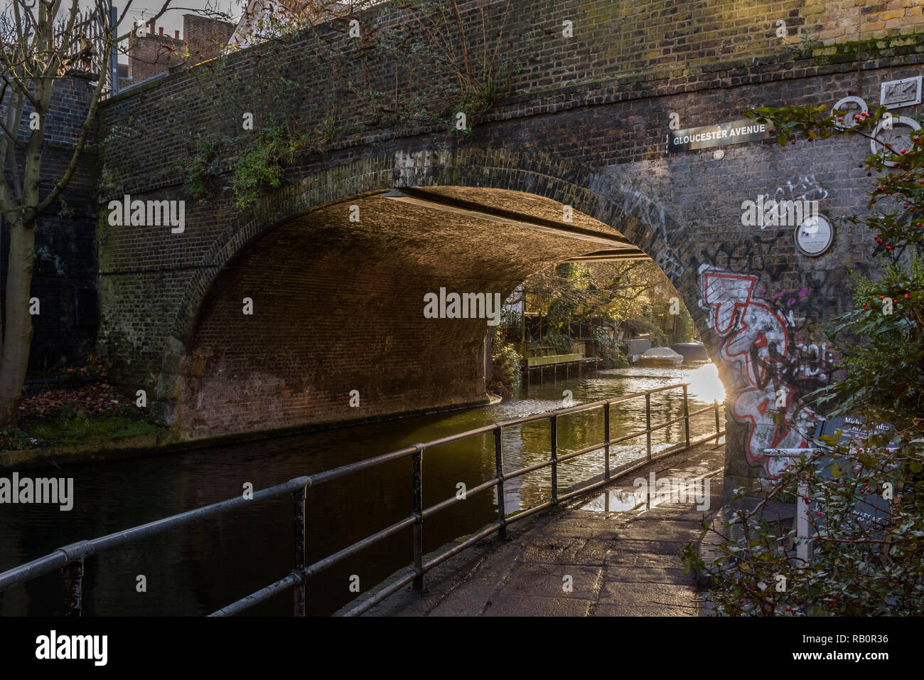Regent's Canal Towpath - Stock Image