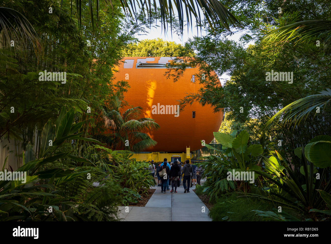 The California ScienCenter, home of NASA's Space Shuttle Endeavour in the Samuel Oschin Pavilion, and the last Space Shuttle external tank on Earth. - Stock Image