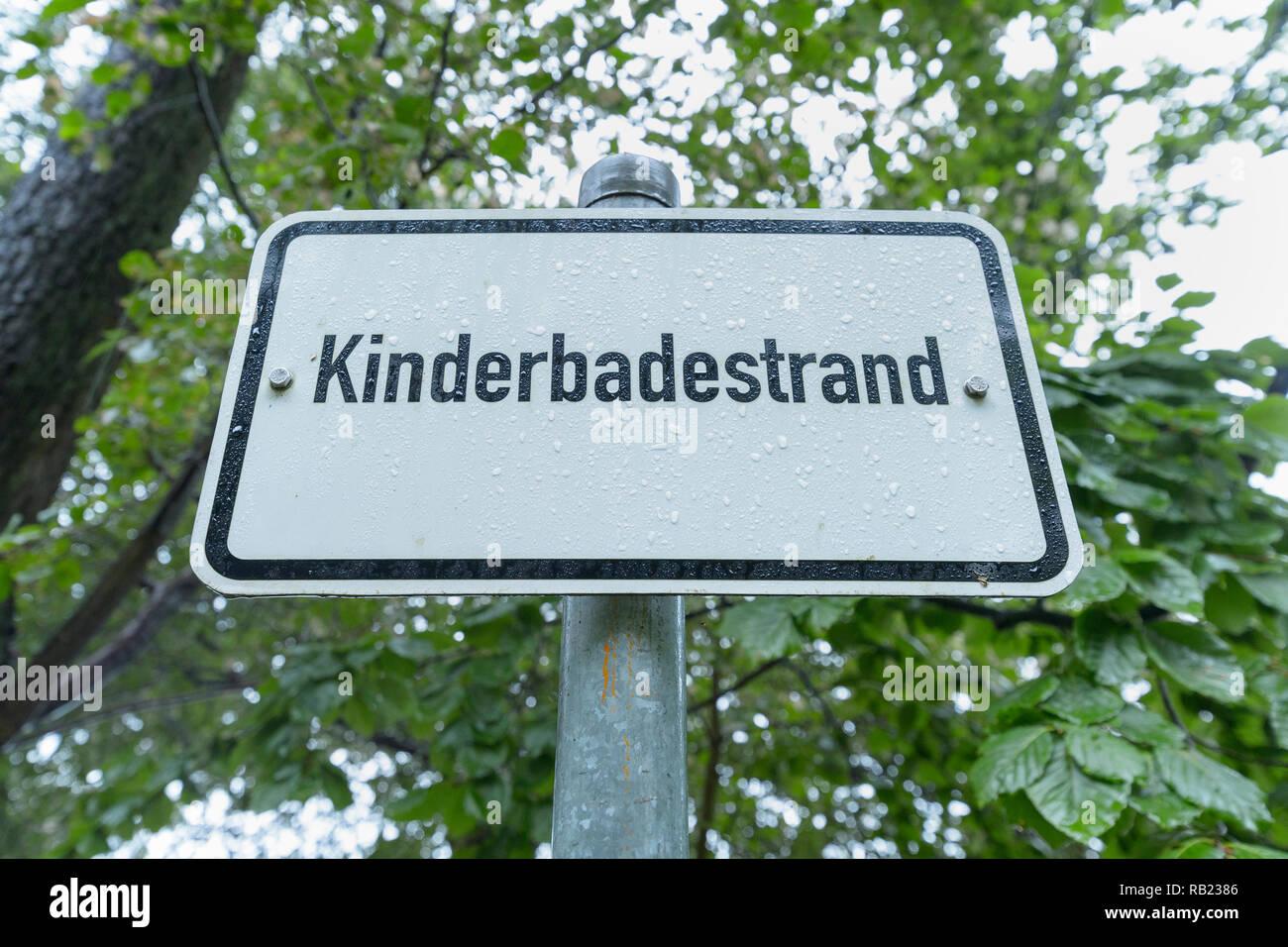 Children's beach sign, Lake Großer Stechlinsee, Neuglobsow, Rheinsberg, Ruppiner Land, Brandenburg, Germany - Stock Image