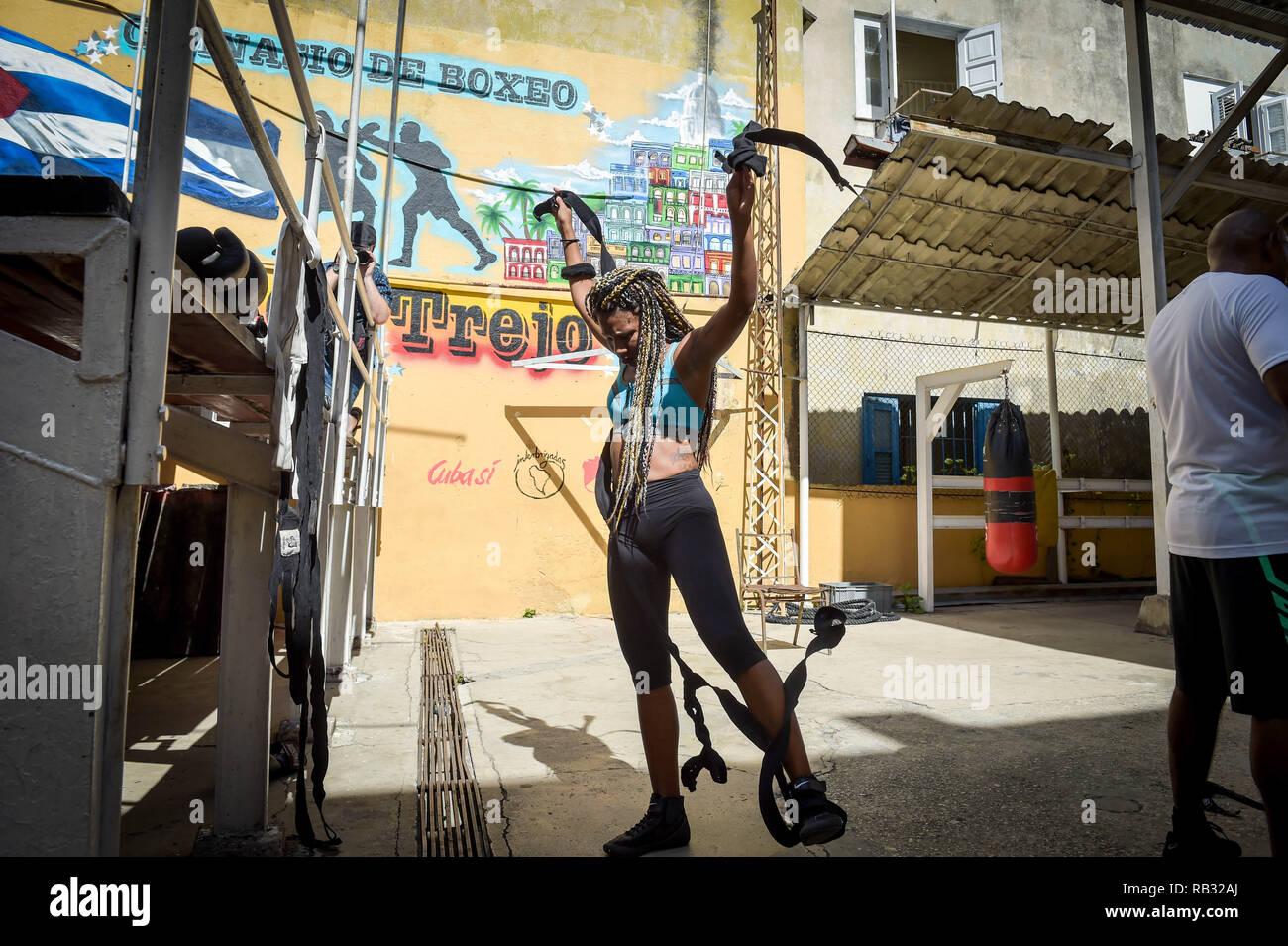 Havana, Havana, Cuba  9th Oct, 2018  A female boxer seen warming up