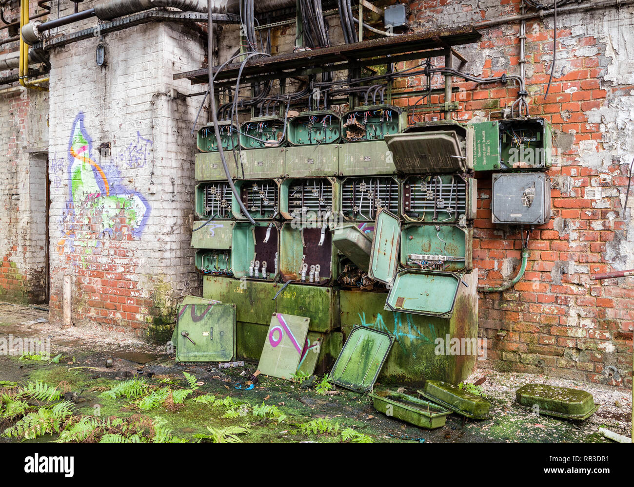 Old Fuses Fuse Box Stock Photos Images Green Factory Image