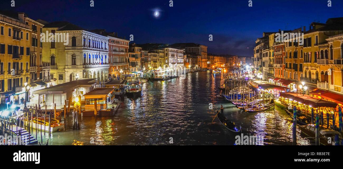 Venedig San Marco bei Nacht - Stock Image