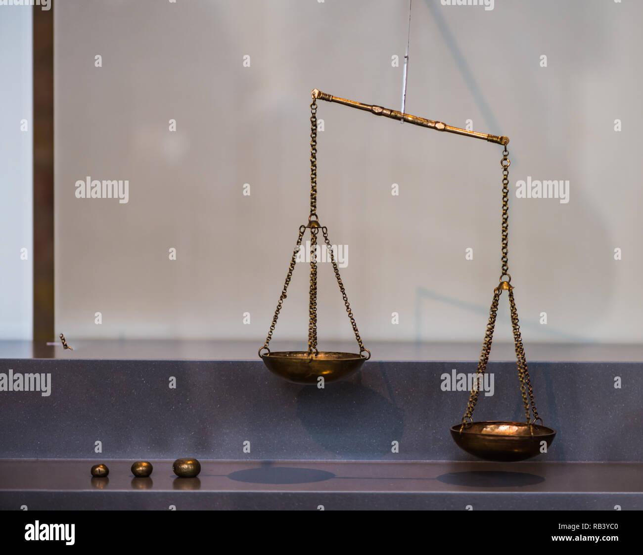 Vintage brass balance with mass - Stock Image