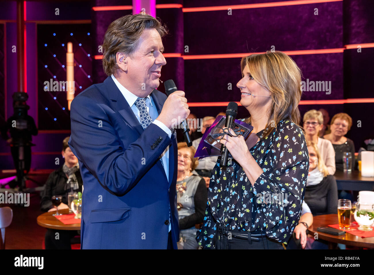 Leipzig, Germany. 14th Dec, 2018. The presenters of the MDR talk show 'Riverboat' Kim Fisher and Jörg Kachelmann, recorded on the side of the recording of the show on 17.12.2018 in Leipzig. The show will be broadcast on 04.01.2019 at 22.00 on MDR television and is the TV comeback of Kachelmann, who already hosted the talk show with Kim Fisher until 2010. Credit: Thomas Schulze/dpa-Zentralbild/ZB/dpa/Alamy Live News - Stock Image