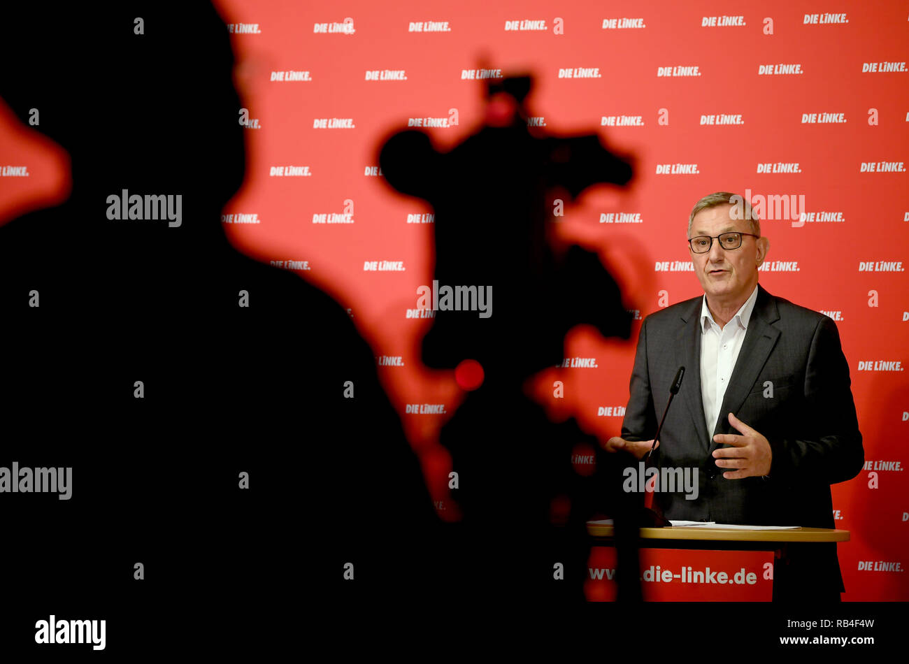 Berlin, Germany. 07th Jan, 2019. Bernd Riexinger, Federal Chairman of the Left Party, talks about current events at the weekly press conference. Credit: Britta Pedersen/dpa-Zentralbild/dpa/Alamy Live News - Stock Image