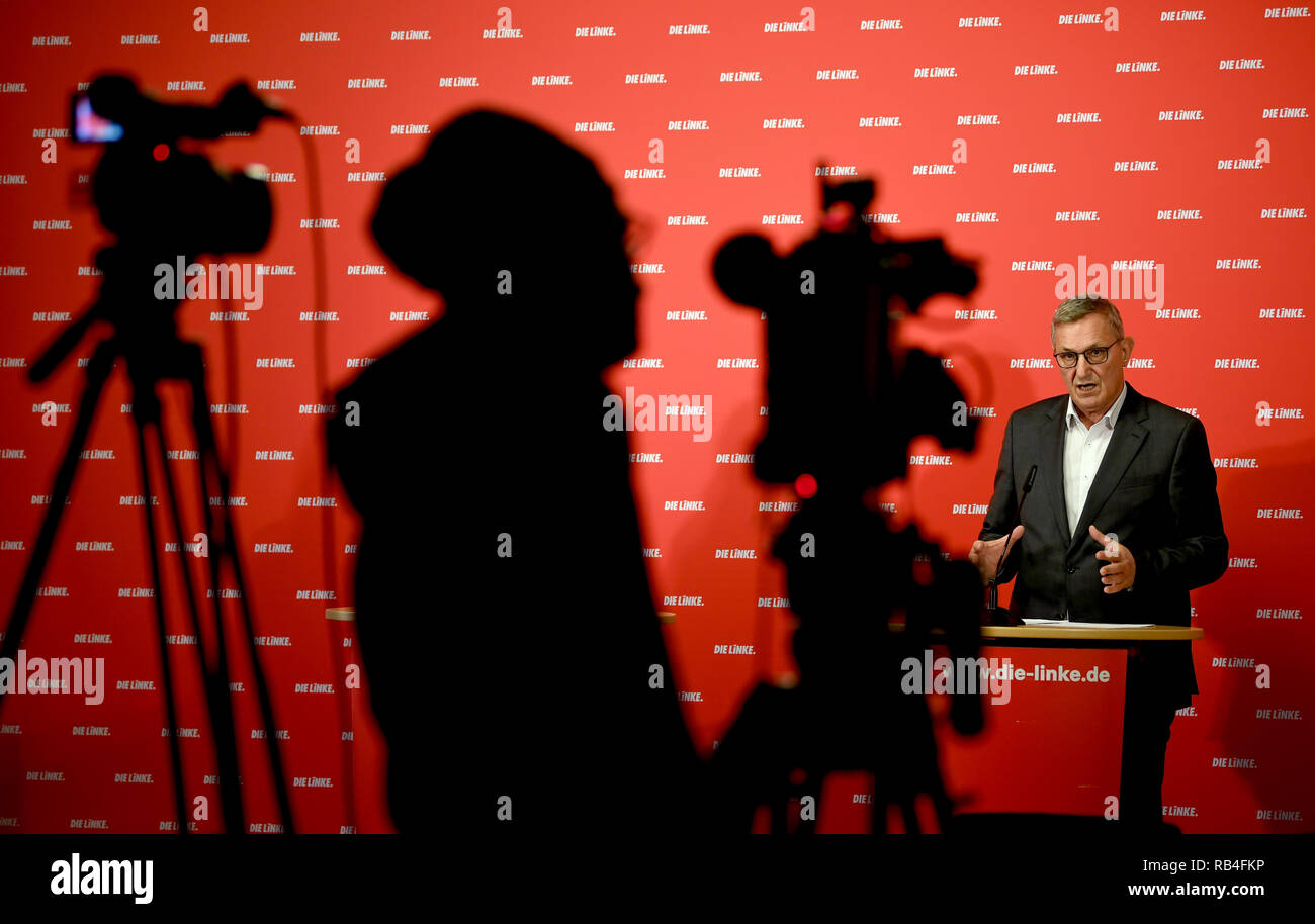 07 January 2019, Berlin: Bernd Riexinger, Federal Chairman of the Left Party, talks about current events at the weekly press conference. Photo: Britta Pedersen/dpa-Zentralbild/dpa - Stock Image