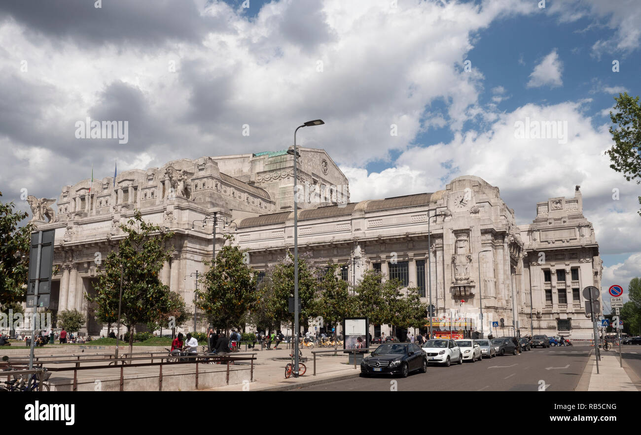 Exterior view of Central Railway Station. Milano Centrale, Milan, Italy. - Stock Image