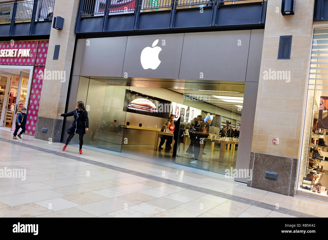 apple store, grand arcade, cambridge, england Stock Photo