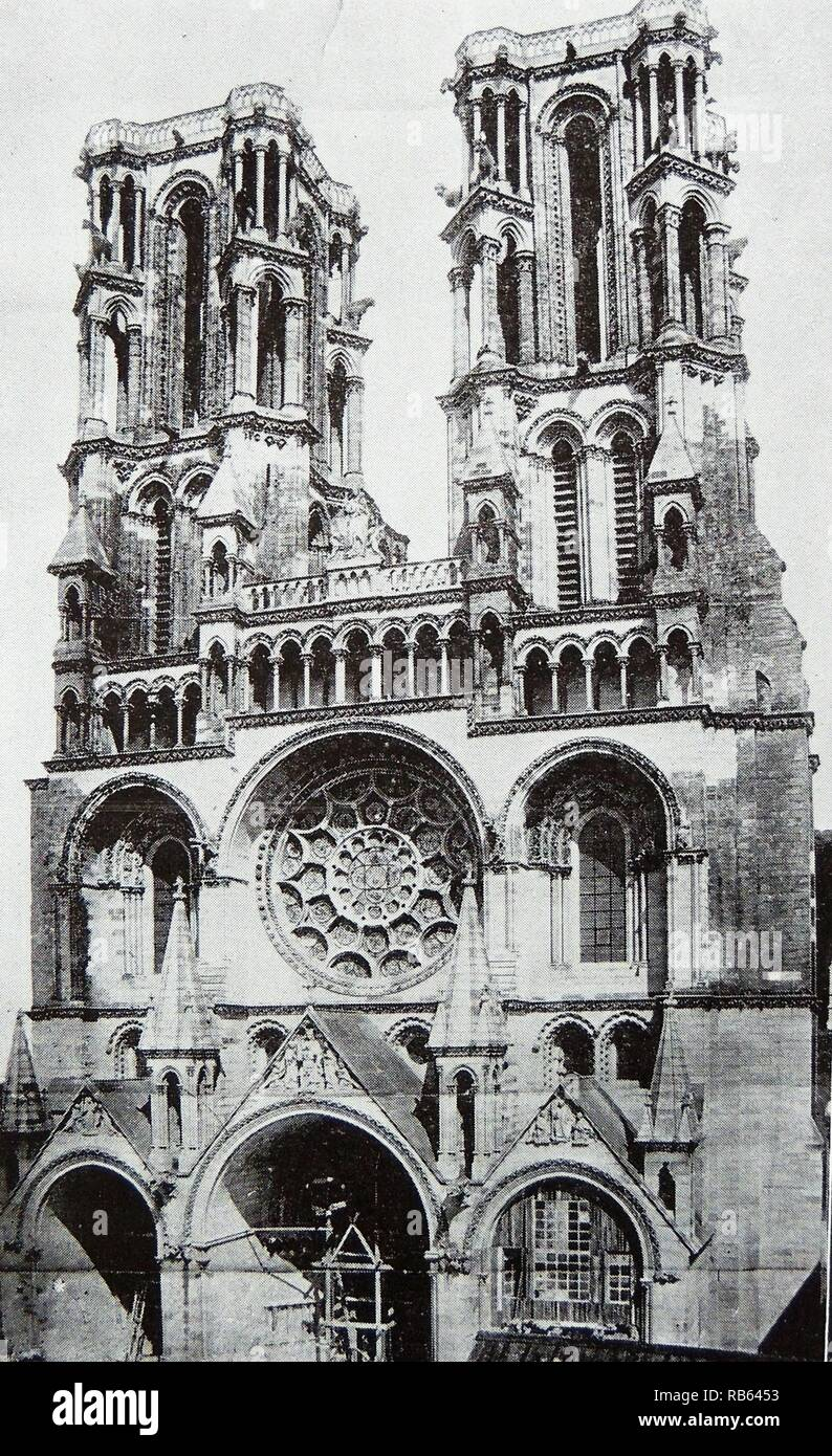Photograph of the exterior of the Cathedral of Laon. It was the seat of the Archdiocese of Amiens and where the coronations of the Kings of France took place. The French Gothic Roman Catholic church was completed in 1212. France. Stock Photo