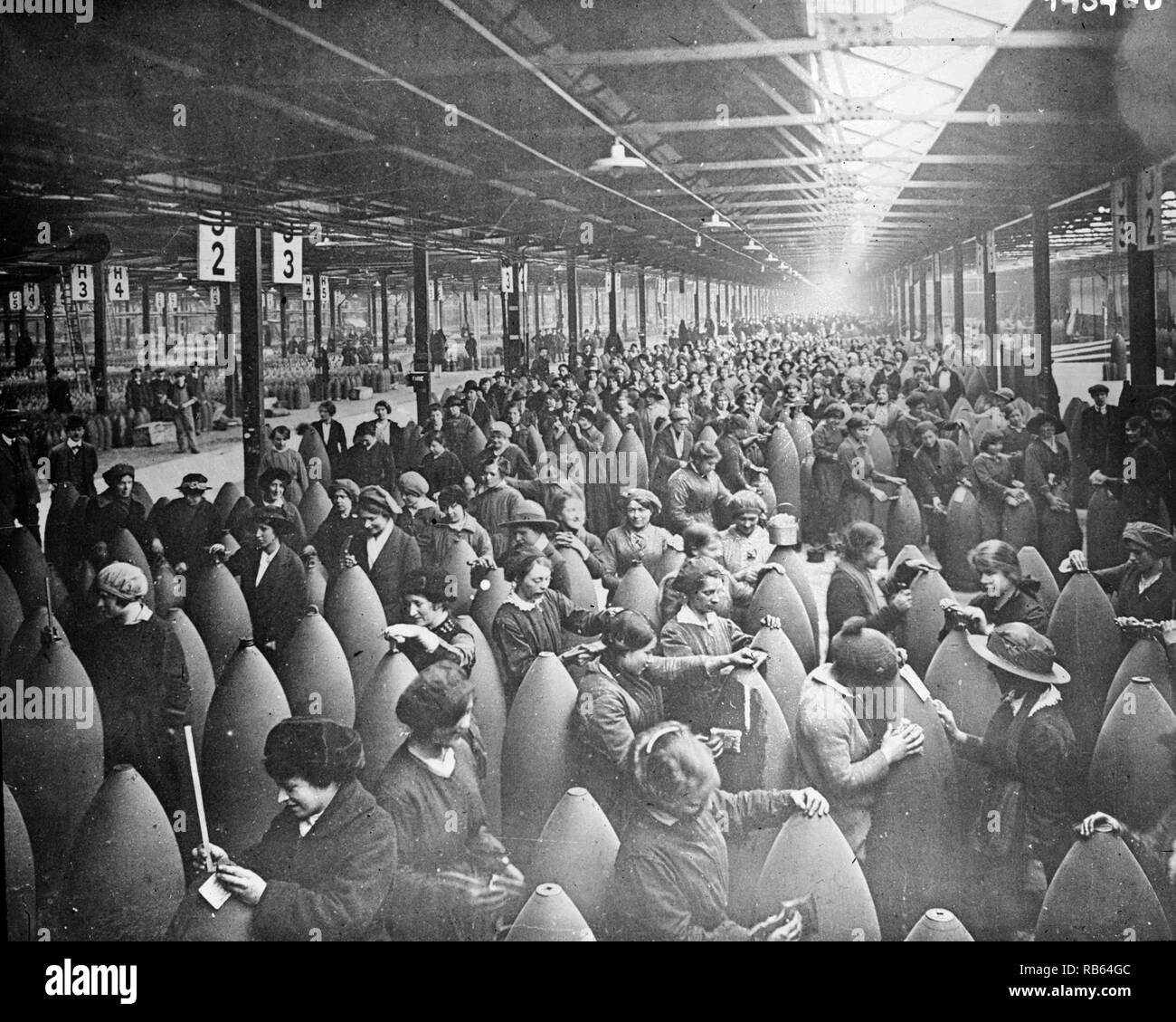 Women in an English shell factory, producing armaments in World war one. - Stock Image