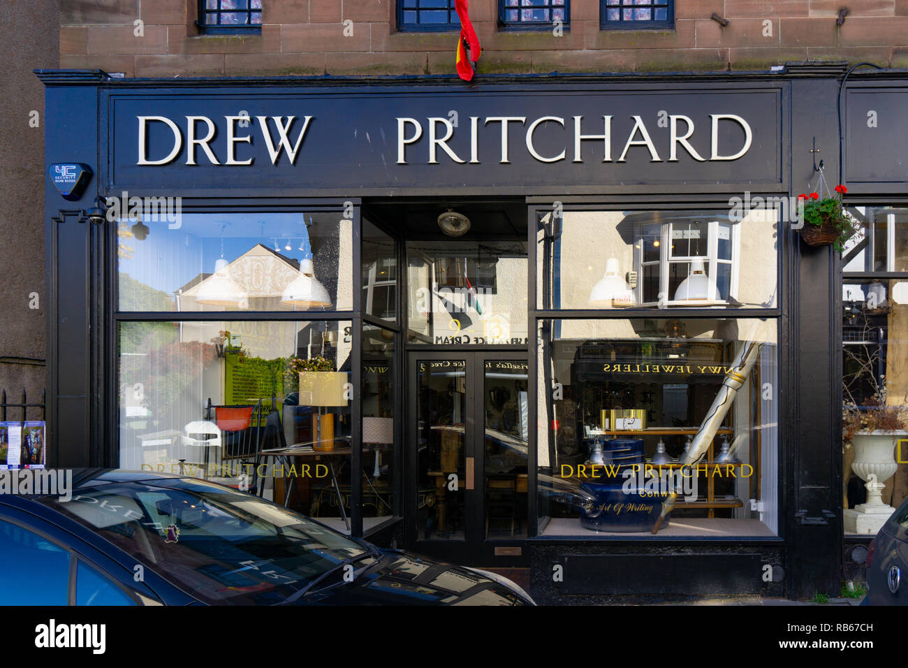 Drew Pritchard Antiques.Drew Pritchard Antiques Shop High Street Conwy North Wales Image