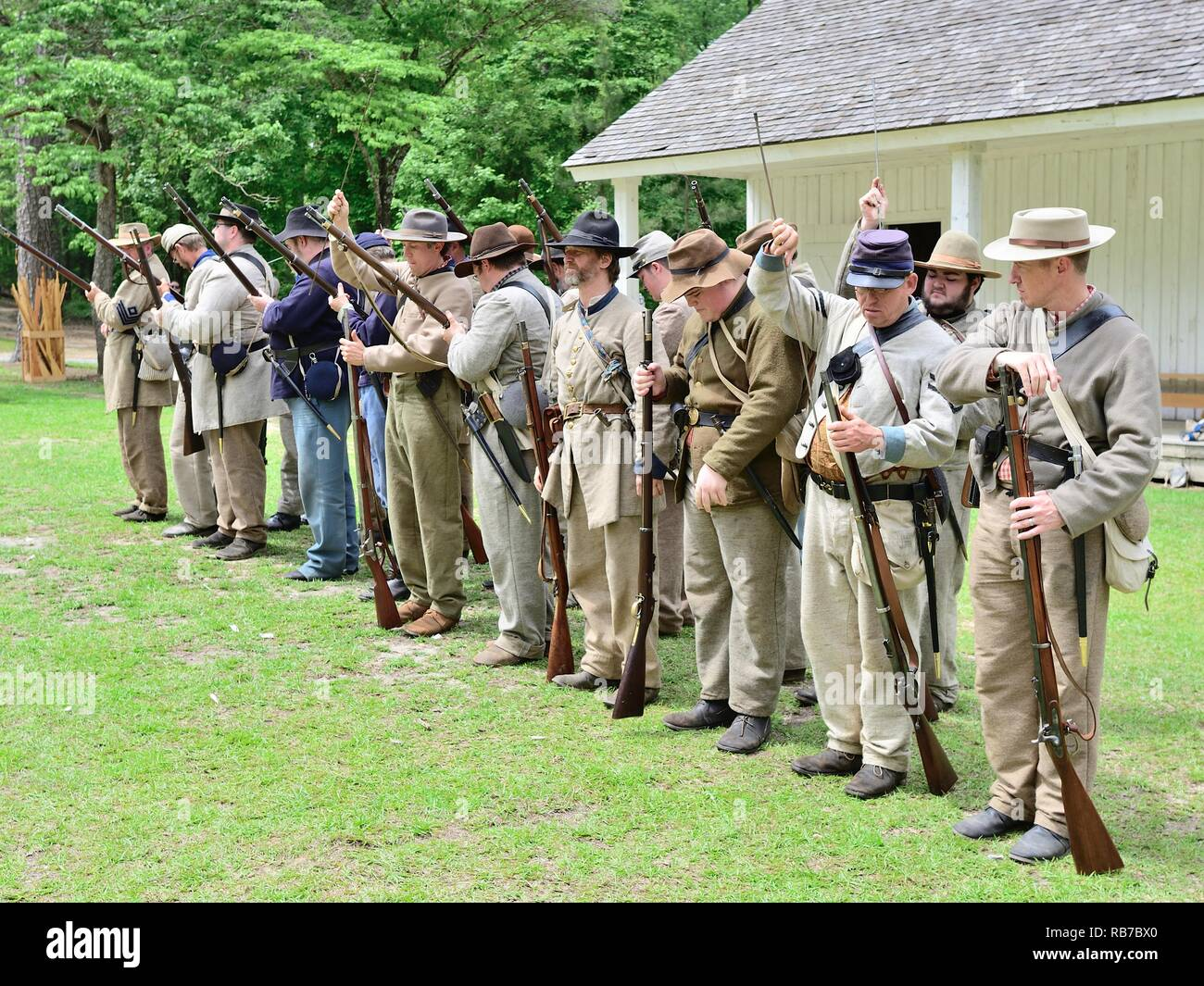 American Civil War reenactment soldiers in Confederate and