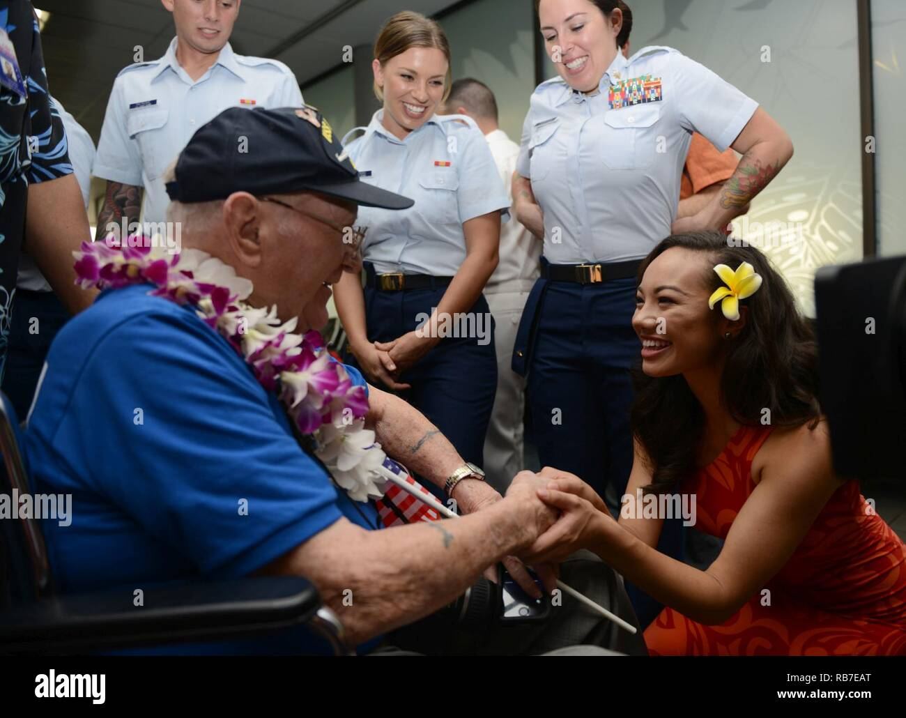 jeanne kapela miss hawaii 2015 greets a world war ii veteran after