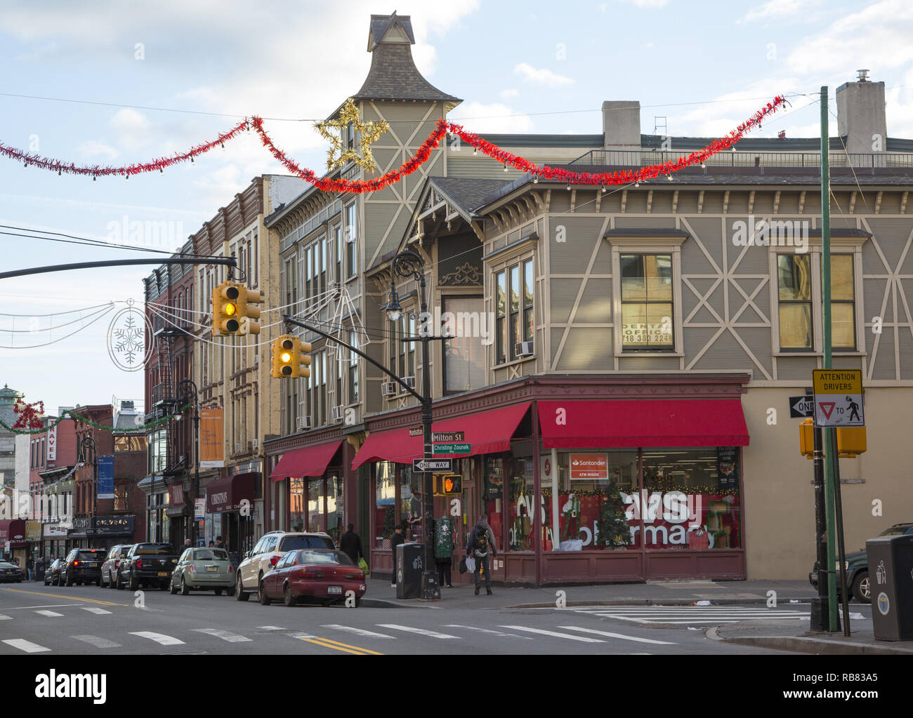 Manhattan Avenue during the Christmas season in Greenpoint Brooklyn, New York City. - Stock Image