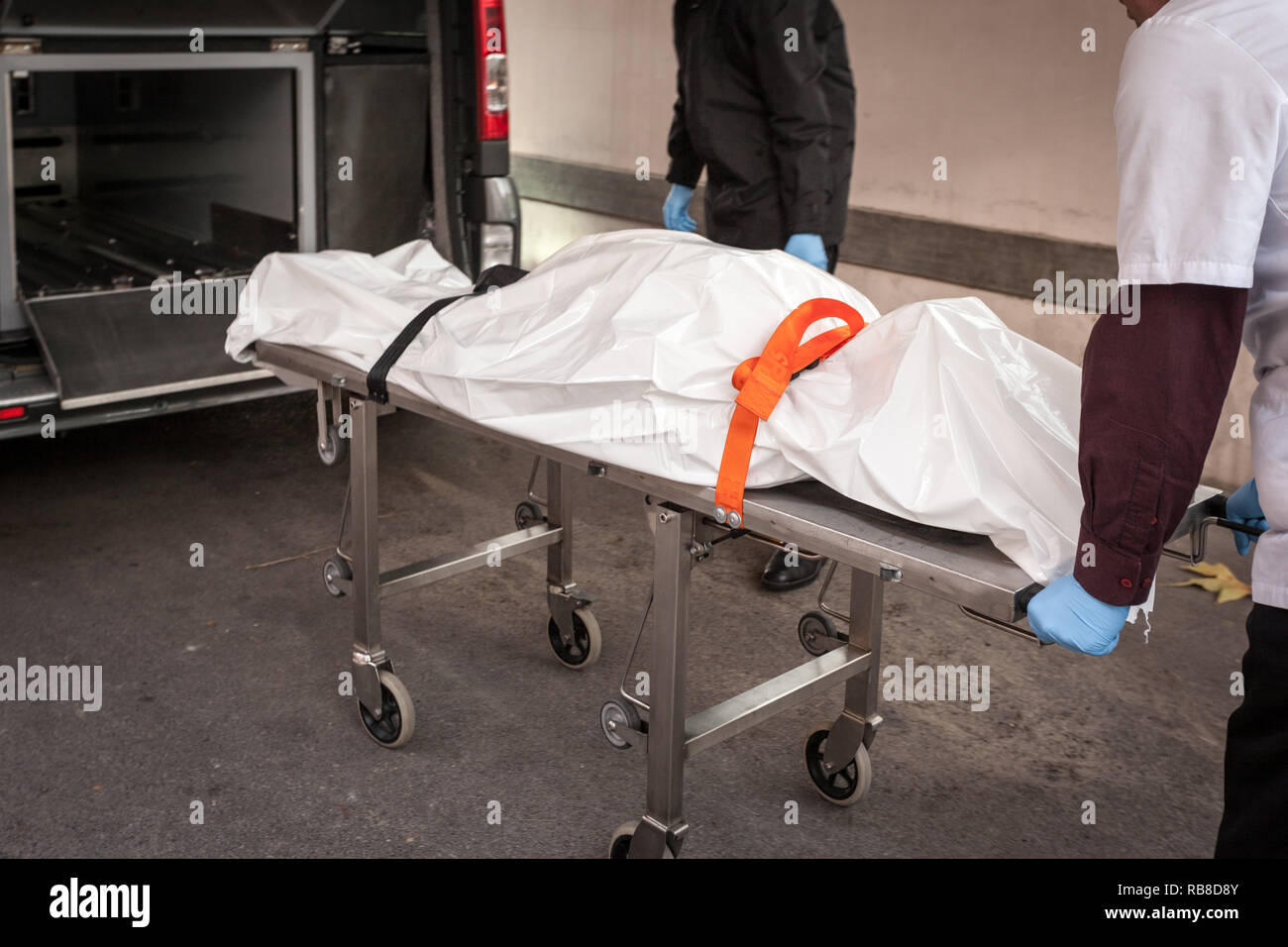working on a dead body in a mortuary room in an hospital RB8D8Y - How To Get A Job In The Hospital Morgue