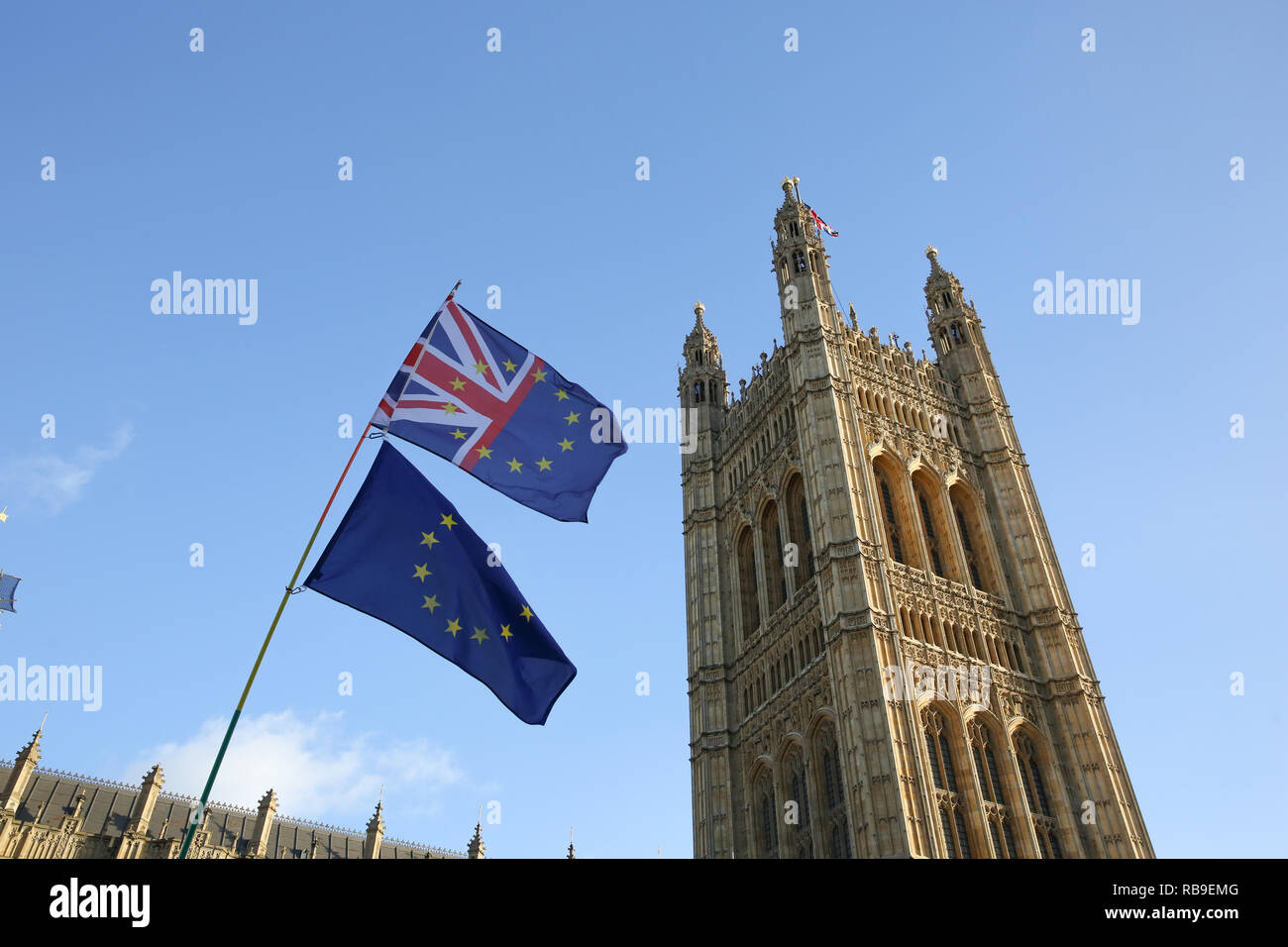London, UK. 8th Jan, 2019. The European Union flag and the union jack flag are seen hanging together during the protest.Anti Brexit demonstrators gather outside the British Parliament a week before the MPs to vote on the finalized Brexit deal, MPs will vote on Theresa May's Brexit deal on Tuesday, 15 January. Credit: Dinendra Haria/SOPA Images/ZUMA Wire/Alamy Live News - Stock Image