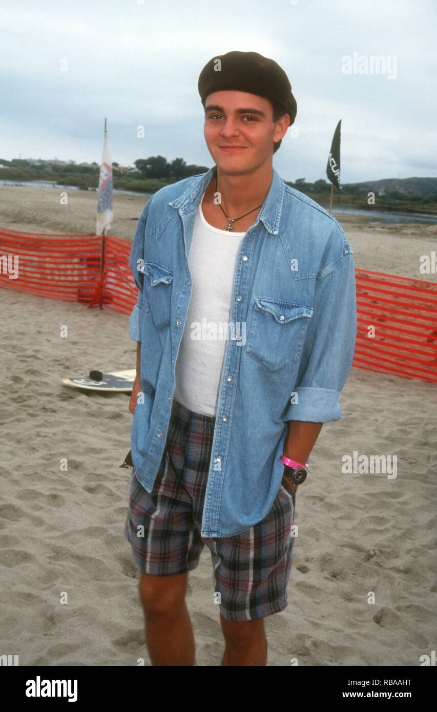MALIBU, CA - JULY 25: Actor Brentley Gore attends 3rd Annual Celebrity Surfing Competition event on July 25, 1993 at Malibu Surfrider Beach in Malibu, California. Photo by Barry King/Alamy Stock Photo - Stock Image