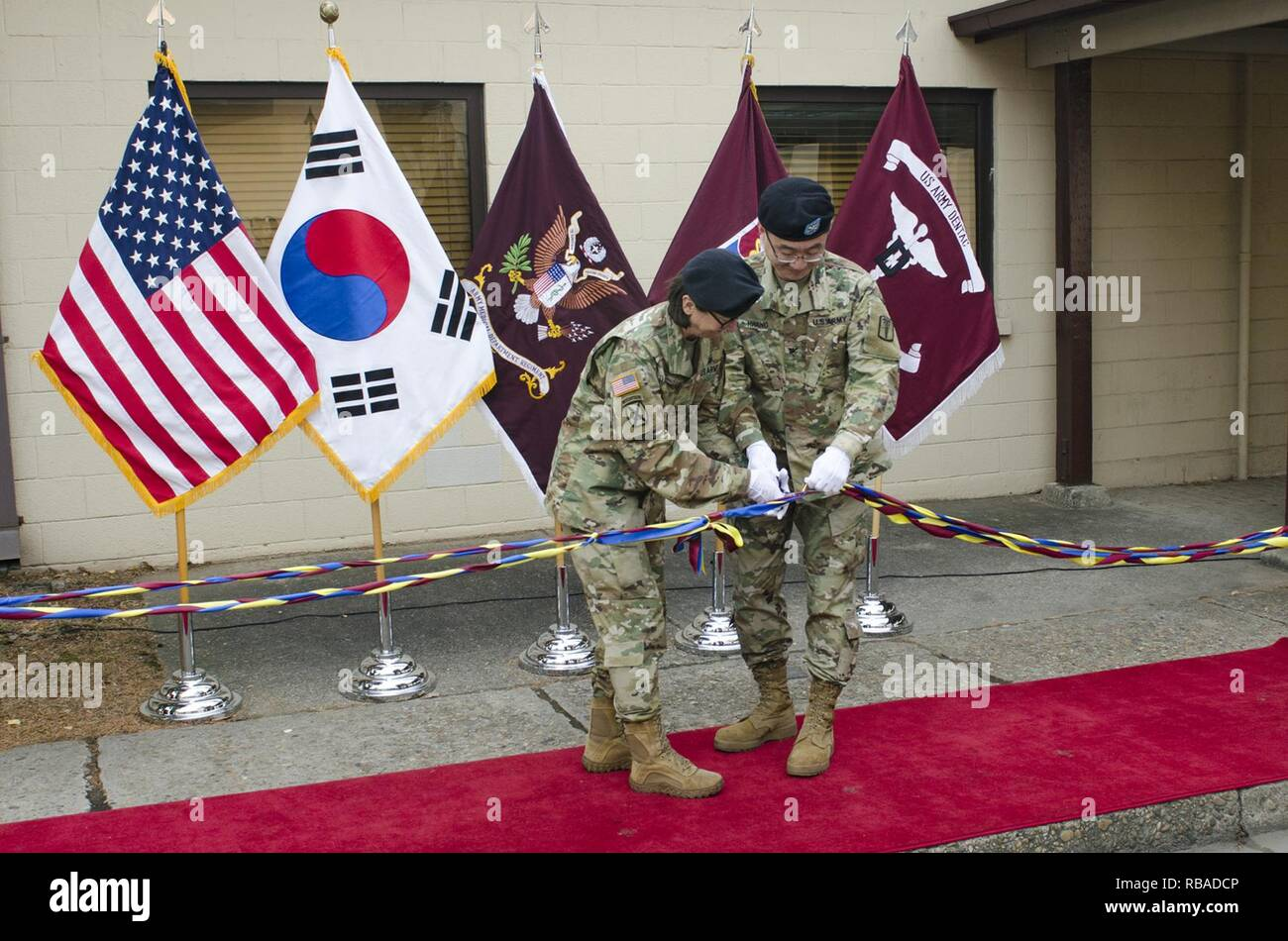 Wendy Harter Commander Of The 65th Medical Brigade US Army Department Activity Korea And Col Jae Hwang 618th Dental