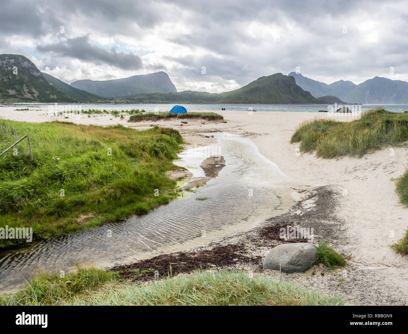 Hauklandstranda, Haukland beach,  lonely tent on sandy beach,  island Vestvagöy, Lofoten, Norway - Stock Image